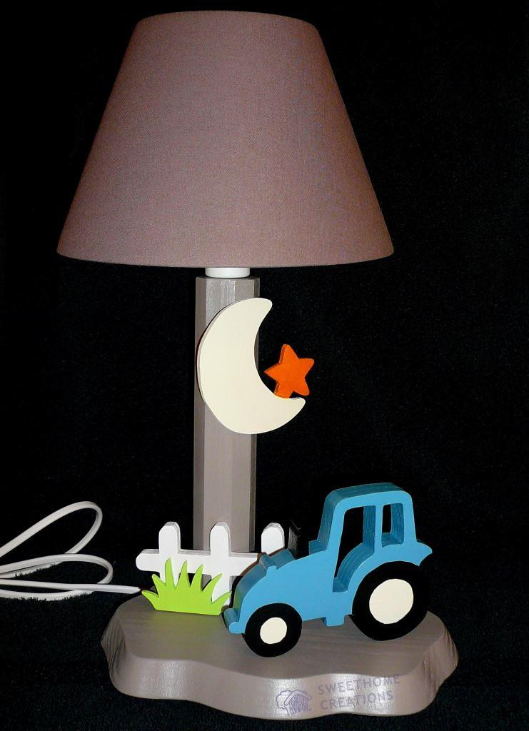 lampe tracteur turquoise jantes creme fond taupe swhc 5 Incroyable Lampe Chevet Taupe Ksh4