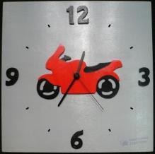 Horloge Moto rouge, fond gris chiffres noir